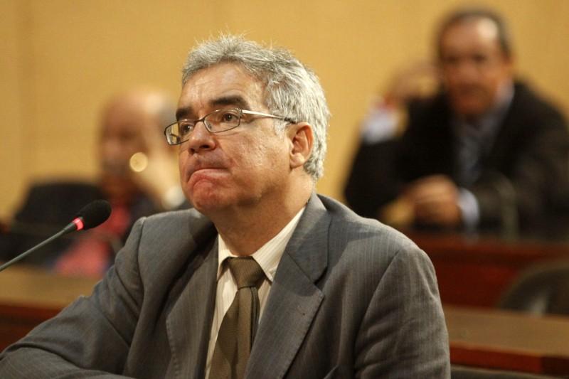 Líder do Governo na Assembleia Legislativa compara as UEBA com Instituições Privadas para justificar falta de investimento