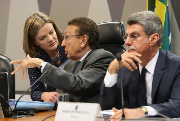 Reforma Trabalhista é aprovada na Comissão de Constituição e Justiça do Senado