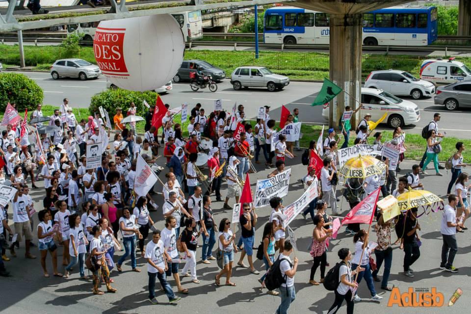 10 de junho: comunidade acadêmica ocupa as ruas de Salvador