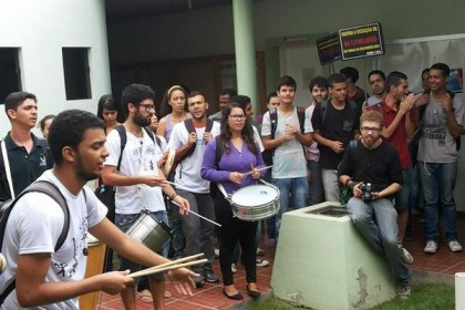 Movimento Estudantil discute crise orçamentária e reivindica verbas para permanência