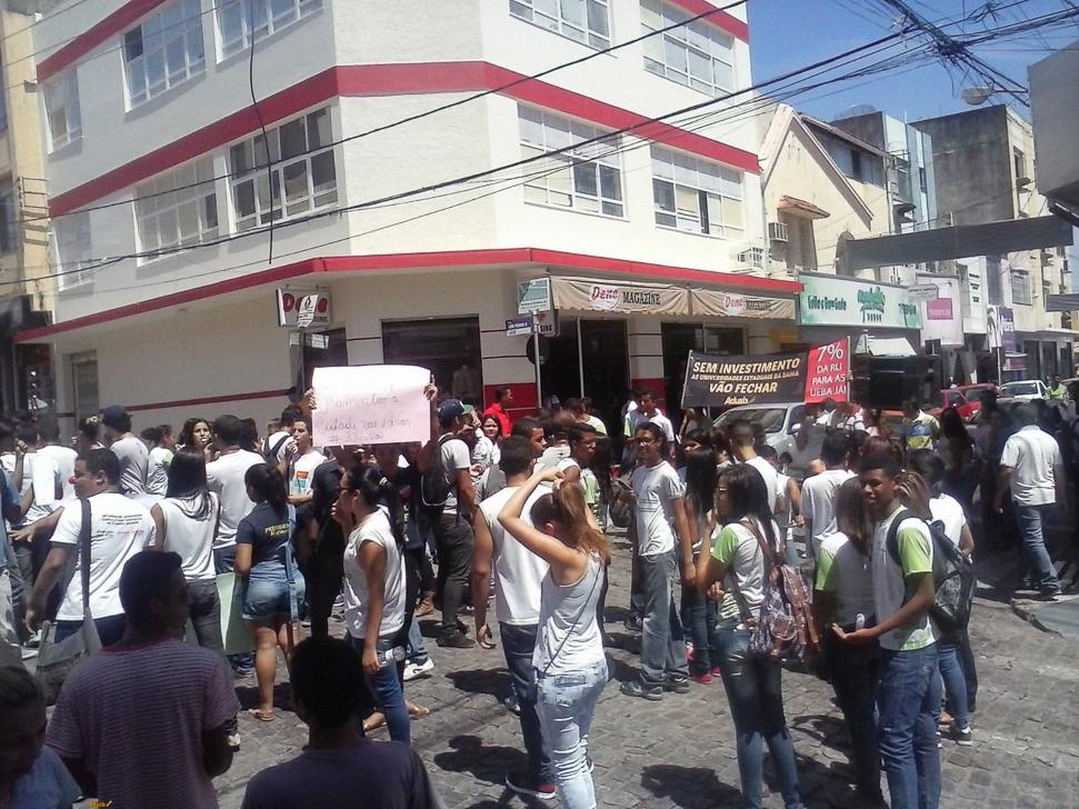 Jequié e Itapetinga realizam mobilizações durante a semana de paralisação docente