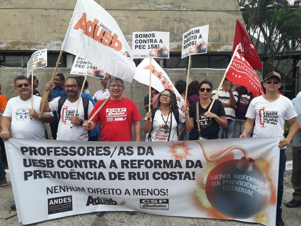 Servidores públicos pressionam governo baiano e justiça suspende Reforma da Previdência no estado
