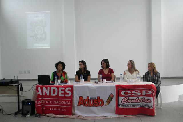 Roda de Conversa em Conquista avança no diagnóstico das opressões na Uesb