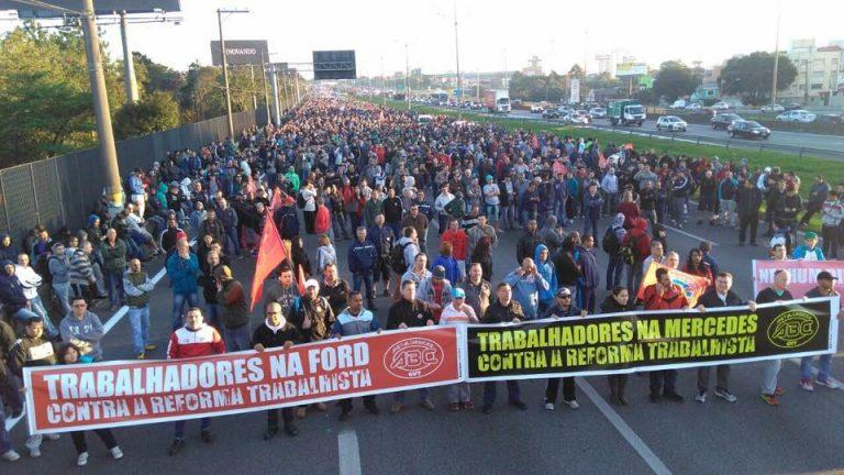 Protestos pelo país marcam dia de votação da Reforma Trabalhista. Precisamos barrar!