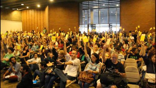 Docentes da Uerj aprovam estado de greve e paralisação