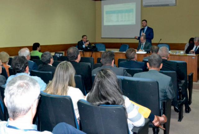 Bahia tem superávit de R$ 576 milhões e servidores continuam sem reajuste salarial