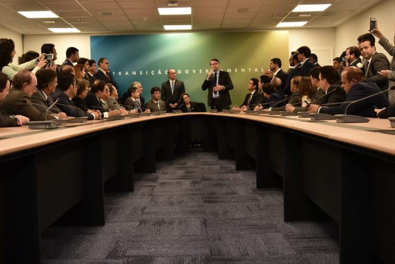 """Absurdo: para Bolsonaro, lei trabalhista tem de se aproximar da """"informalidade"""" 13/12/2018"""