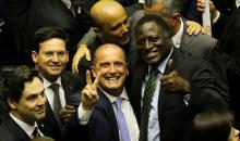 Para aprovar Reforma da Previdência, Bolsonaro pratica toma-lá-da-cá e libera R$ 2,6 bi a deputados