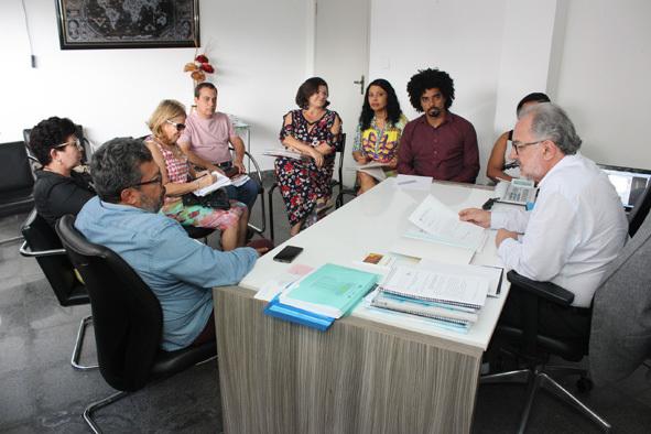Governo Rui Costa desconta salários de professores da Uneb