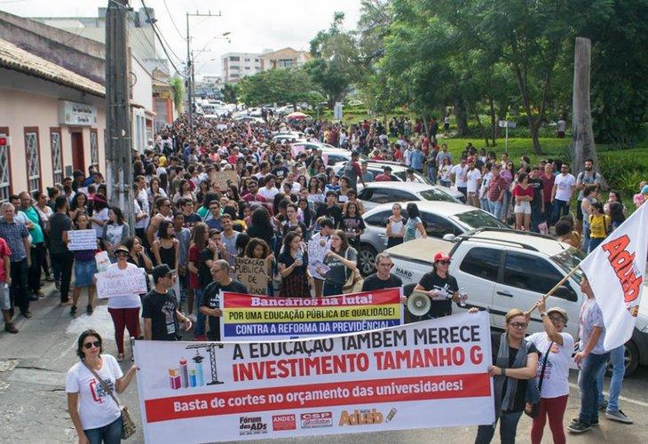 #30M   População fortalece a luta pela educação e diz não à Reforma da Previdência