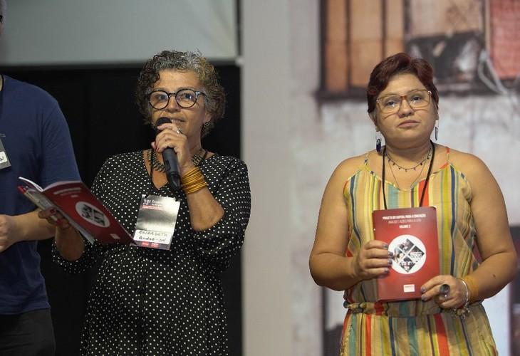 Durante o 39º Congresso, Sindicato divulga materiais sobre Educação Pública e Previdência nos estados