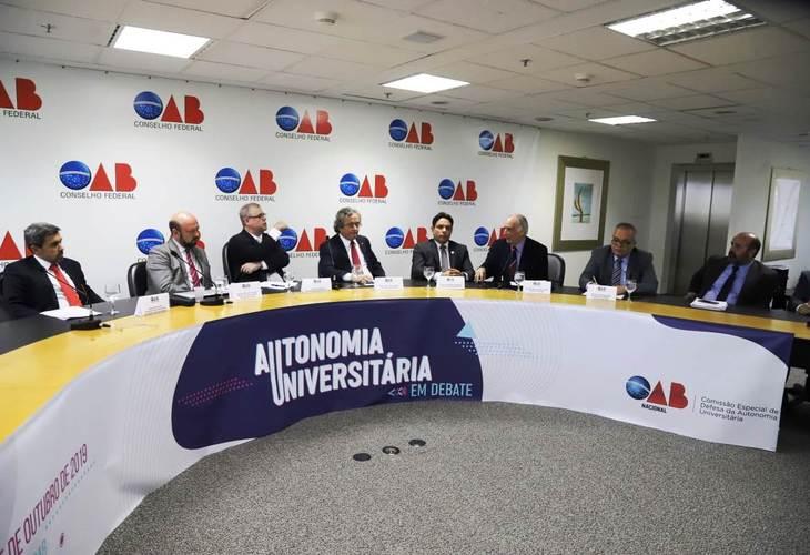 ANDES-SN participa de seminário sobre Autonomia Universitária na OAB
