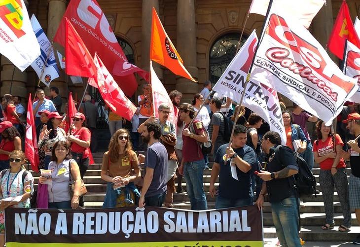 Centrais Sindicais fazem ato/panfletagem em SP contra pacote de maldades de Bolsonaro