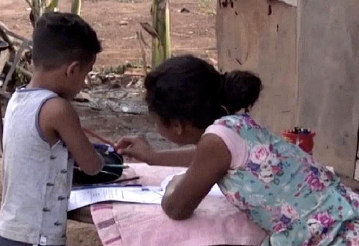 Congresso derruba veto de Bolsonaro a projeto que garante acesso à internet na educação básica