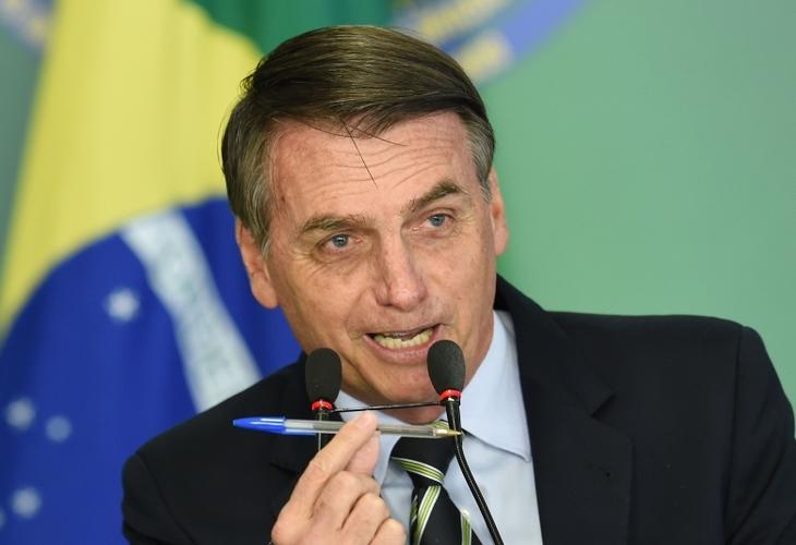 Vetos de Bolsonaro à MP 936, que permite redução de salários, pioraram condições para trabalhadores
