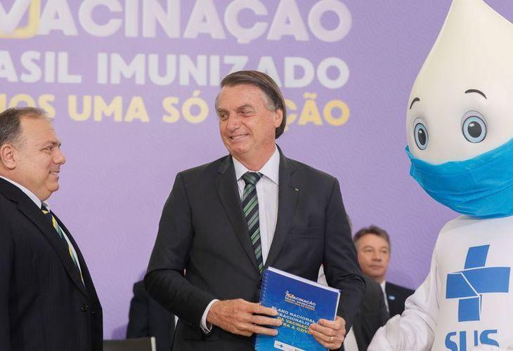 Bolsonaro faz lançamento de plano de imunização que não tem data para início de vacinação
