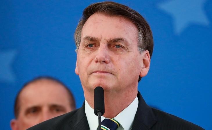 Em mais um discurso negacionista, Bolsonaro faz comentário homofóbico para minimizar mortes causadas pela Covid-19
