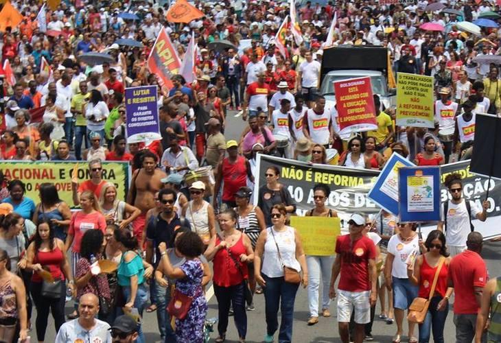 Docentes se mobilizam em todo país contra a Reforma da Previdência
