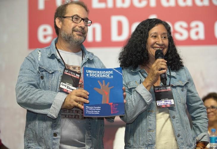 Edição 65 da Revista Universidade e Sociedade é lançada durante Congresso