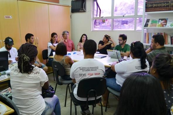 Adusb e Movimento Estudantil avaliam o ato do dia 8 de abril e preparam Semana de Mobilização