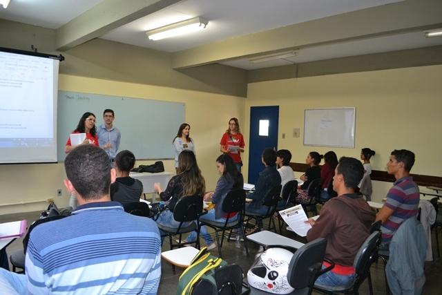 A Adusb denuncia a crise nas UEBA durante a primeira semana de aula