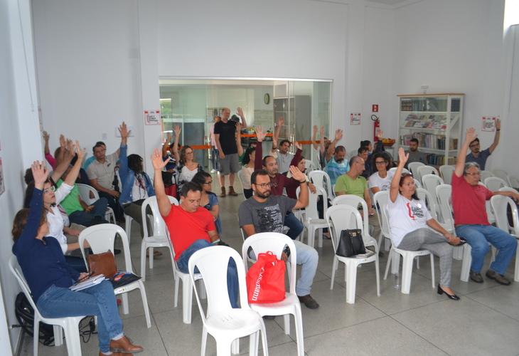 Professores da Uesb aprovam estado de greve e avançam na mobilização