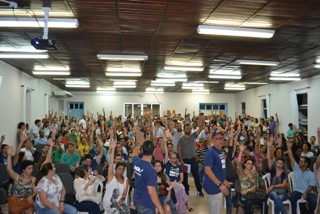 Professores da UESB permanecem em greve