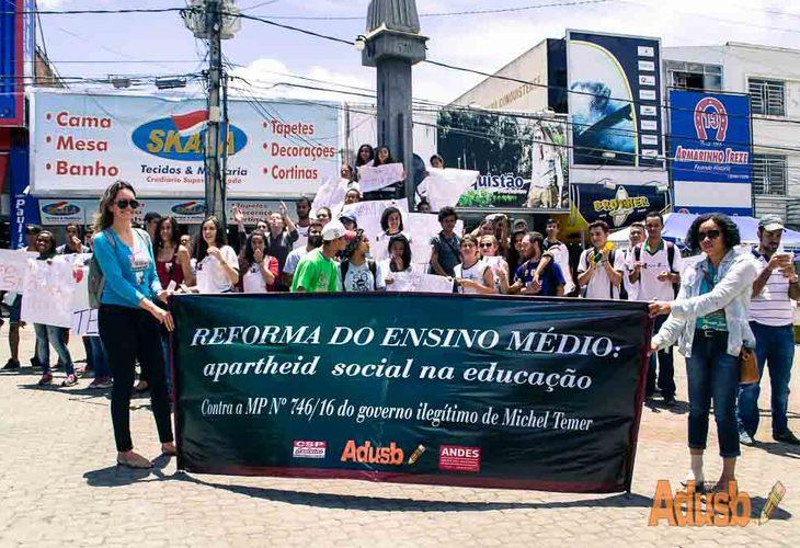 29 de setembro: estudantes do IFBA dão aula de cidadania rumo à Greve Geral