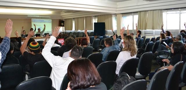 Professores da UESB aprovam indicativo de greve geral dos servidores da Bahia e paralisação dia 20 de julho