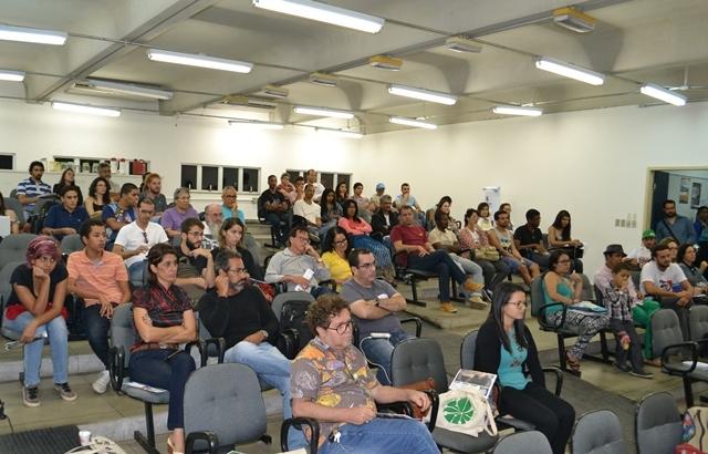 Reforma agrária é debatida pela comunidade acadêmica em curso da Adusb