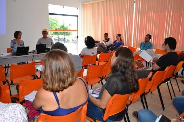 Assembleia da Adusb defende construção de greve geral do serviço público baiano