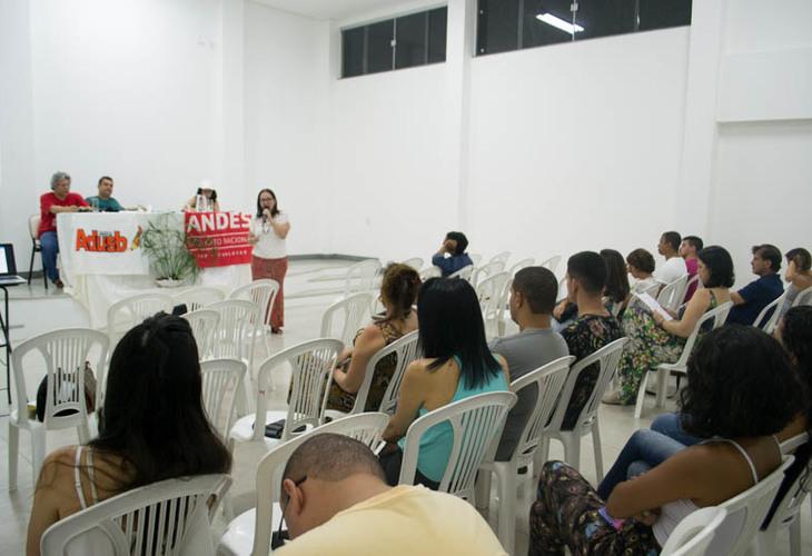Atividade em Itapetinga debate ataques à educação brasileira