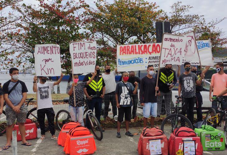 Por melhores condições e direitos, entregadores de aplicativos 'brecam' os serviços e protestam em diversos estados do país