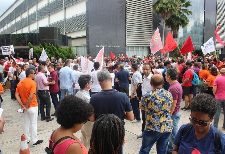 Funcionalismo público baiano realiza ato unificado contra a PEC da Previdência Estadual