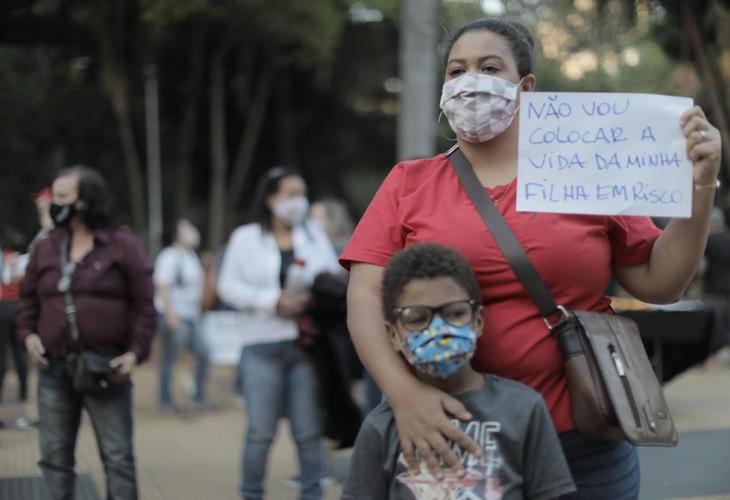 15/10: Dia do professor e de luta pela Educação, contra o retorno escolar e a Reforma Administrativa