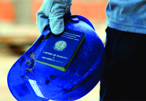 Alerta Geral: Comissão aprova na MP do PPE texto que prevê corte em direitos garantidos na CLT