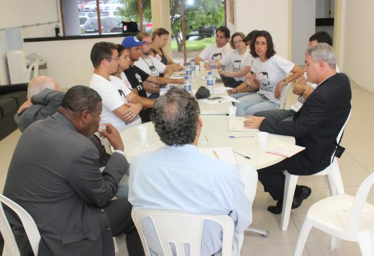 Greve: Governo tenta desmarcar reunião e não apresenta proposta