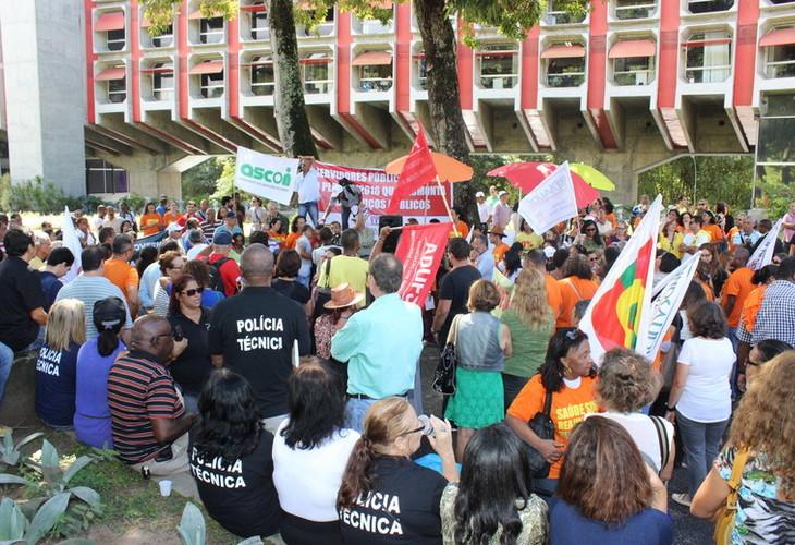 Unidade dos Servidores Públicos Baianos avança em ato público realizado no dia 4 de maio