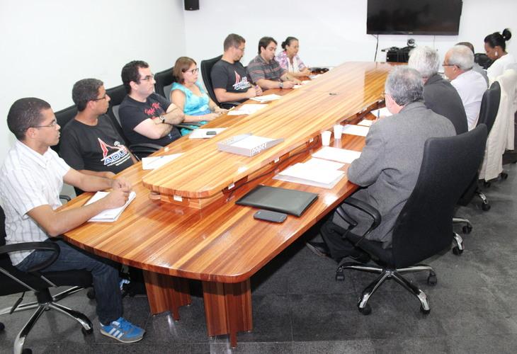 Aprofundamento da crise orçamentária é tema de reunião entre Fórum das ADs e Reitores