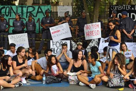 Estudantes ocupam mais de 60 escolas em São Paulo