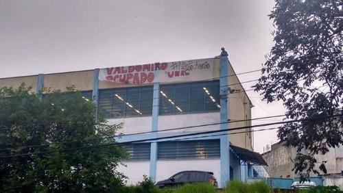 Estudantes ocupam escolas estaduais de SP contra fechamento