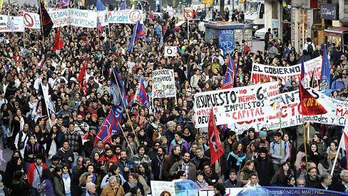 Greve geral no Uruguai mobiliza mais de um milhão de pessoas contra o ajuste fiscal