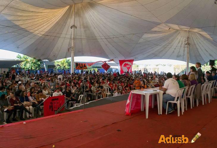 II ENE discutiu ataques à educação pública e apontou para a greve geral