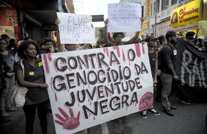 Excludente de ilicitude: projeto de lei permite que PM mate pobres de favelas e periferias sem punição