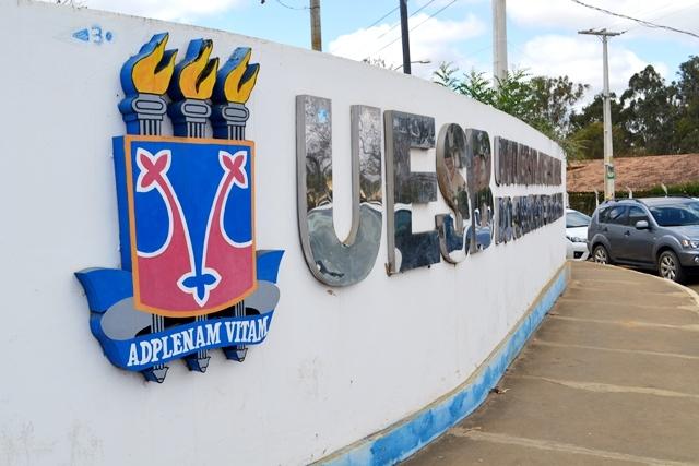 Estudantes da Uesb campus Vitória da Conquista aprovam estado de greve