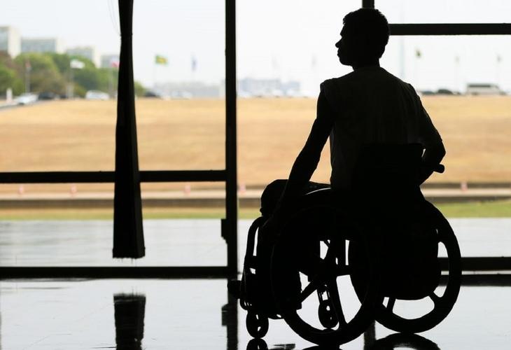 Governo Bolsonaro desobriga cota de contratação de trabalhadores com deficiência