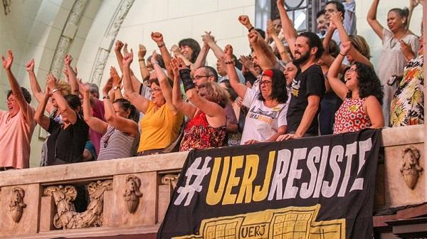 Docentes das estaduais do Rio e da Bahia se mobilizam em defesa da Dedicação Exclusiva