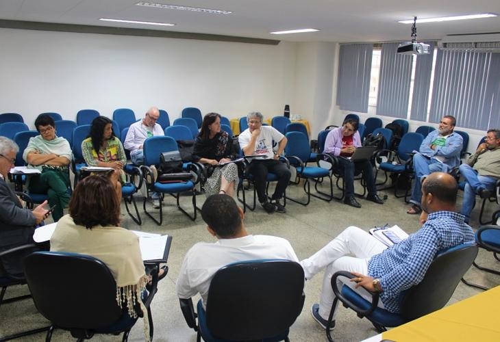 Mesa de negociação: Fórum das ADs comprova a importância dos professores DE para as UEBA