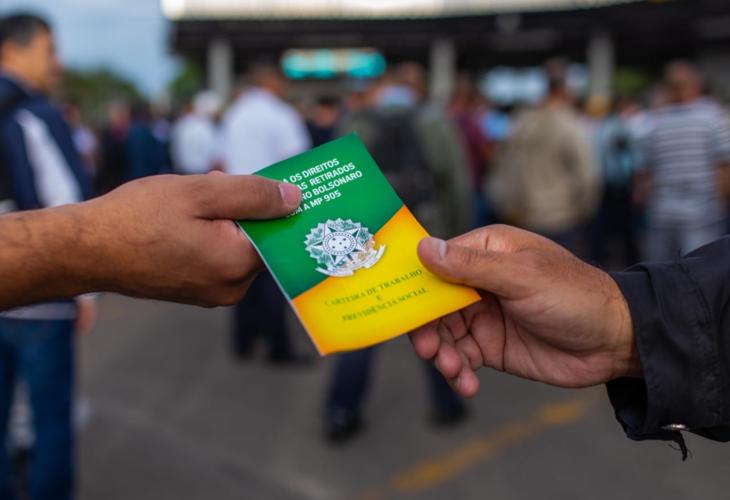 Estudos do próprio governo alertam que Carteira Verde e Amarela é um desastre para os trabalhadores