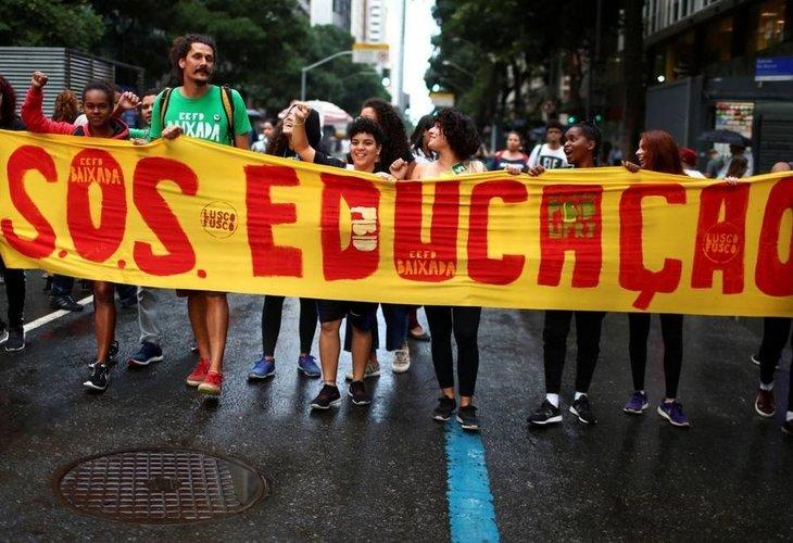 Governo Bolsonaro anuncia novo bloqueio de recursos e cortes na Educação sobem para R$ 6,1 bi